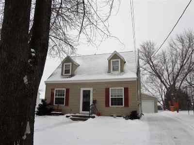 Menasha Single Family Home Active-Offer No Bump: 913 Marquette