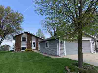 Oshkosh Single Family Home Active-No Offer: 3482 Leonard Point