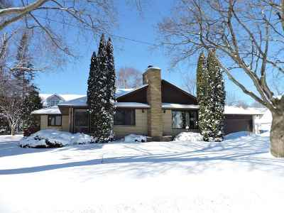 Kaukauna Single Family Home Active-Offer No Bump: 200 W 6th