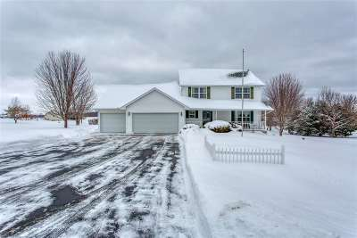 Green Bay Single Family Home Active-Offer No Bump: 3516 Ridge Wood