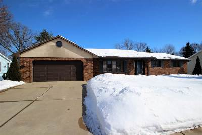 De Pere Single Family Home Active-No Offer: 1261 Danena