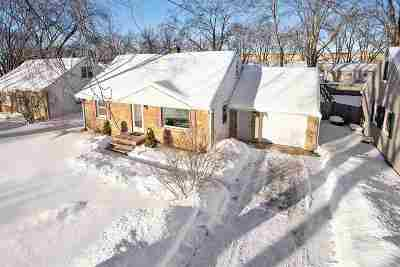 Green Bay Single Family Home Active-Offer No Bump: 490 Oak Lawn