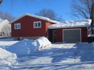 Oshkosh Single Family Home Active-Offer No Bump-Show: 2324 Sheridan