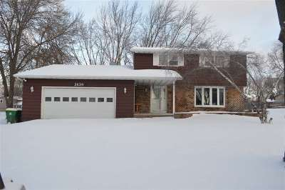 Green Bay Single Family Home Active-No Offer: 2639 Mary Jo
