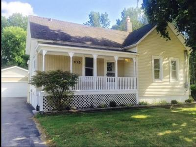 Marinette Single Family Home Active-No Offer: 435 W Hosmer