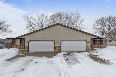 Neenah Multi Family Home Active-Offer No Bump: 2322 Meadow Green