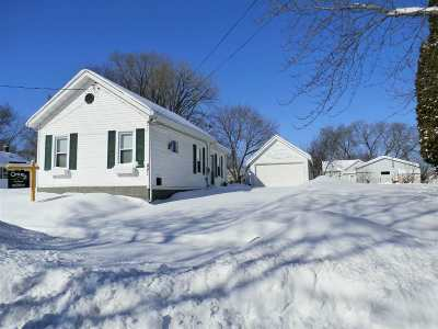 Kaukauna Single Family Home Active-No Offer: 821 Oviatt