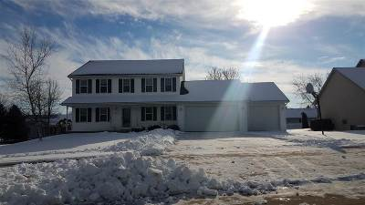 Appleton Single Family Home Active-No Offer: 201 W Arrowhead