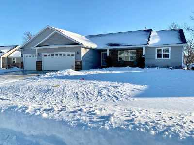 Kaukauna Single Family Home Active-No Offer: 1811 Andrea Michelle