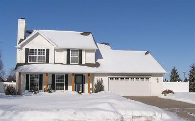 De Pere Single Family Home Active-No Offer: 2248 Swanstone