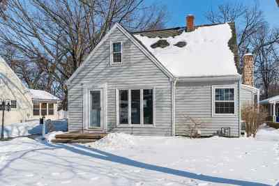 Kaukauna Single Family Home Active-Offer No Bump: 220 Idlewild