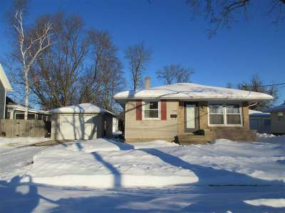 Appleton Single Family Home Active-No Offer: 1720 N Superior