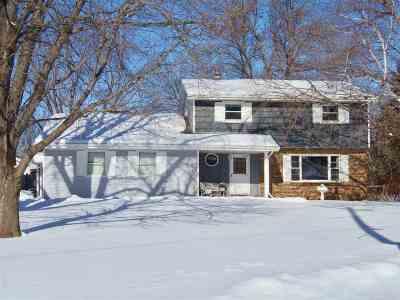Oshkosh Single Family Home Active-No Offer: 961 S Oakwood
