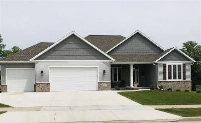 Kaukauna Single Family Home Active-No Offer: 1810 White Wolf