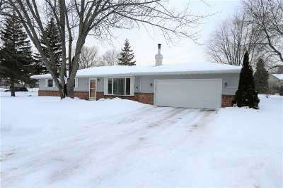 Appleton Single Family Home Active-Offer No Bump: 3401 N Windward