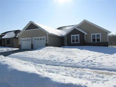 Menasha Single Family Home Active-Offer No Bump: 2839 Snowberry