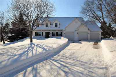 Howard, Suamico Single Family Home Active-Offer No Bump: 1139 Chapel Hill