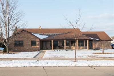 Appleton Single Family Home Active-No Offer: 3239 E Greenleaf