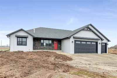 Luxemburg Single Family Home Active-Offer W/Bump-Show: 178 Meadowlark