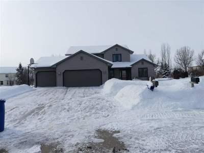 Oshkosh Single Family Home Active-Offer No Bump: 2409 Lakeside