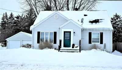 Pulaski WI Single Family Home Active-Offer No Bump: $154,900