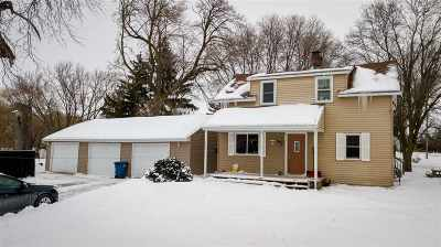 Neenah Single Family Home Active-Offer No Bump: 1749 Coldspring