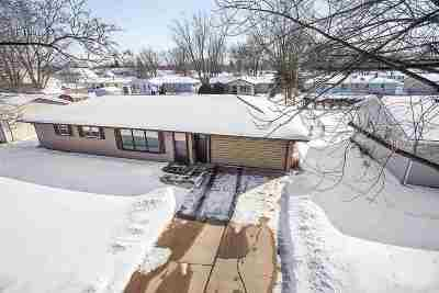 De Pere Single Family Home Active-Offer No Bump: 1015 St Anthony