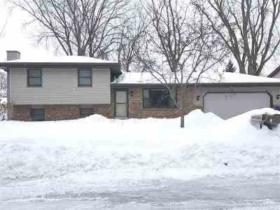 Appleton Single Family Home Active-Offer No Bump: 2600 S Meadowview