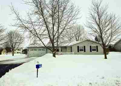 Oshkosh Single Family Home Active-Offer No Bump-Show: 1398 Oakwood