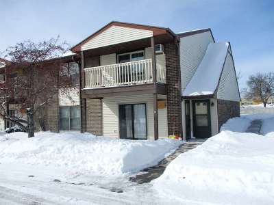 Green Bay Condo/Townhouse Active-Offer No Bump: 1045 Marvelle #B5