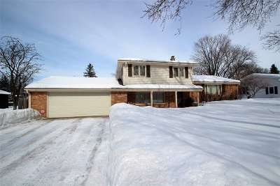 Green Bay Single Family Home Active-No Offer: 210 Roselawn
