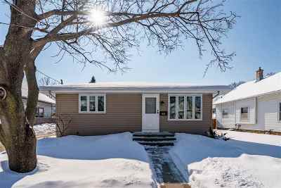 Appleton Single Family Home Active-Offer No Bump: 923 W Oklahoma