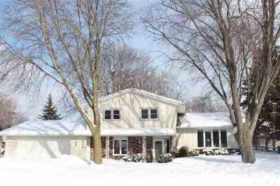 De Pere Single Family Home Active-Offer No Bump: 421 Lois