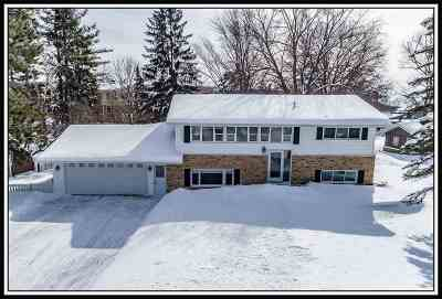 Waupaca Single Family Home Active-Offer No Bump: 117 Shadow Lake