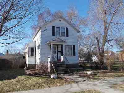 Menominee Single Family Home Active-No Offer: 813 13th