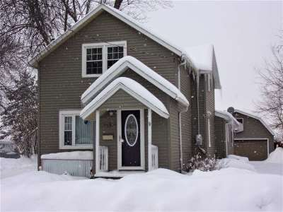 Neenah Single Family Home Active-Offer No Bump: 434 W North Water