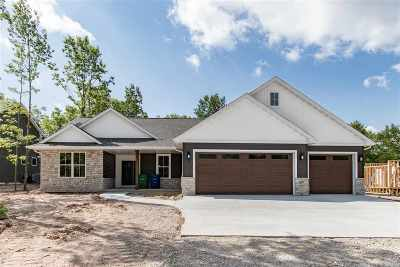Combined Locks Single Family Home Active-Offer No Bump: 627 Ruys Woods