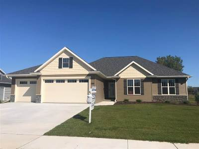De Pere Single Family Home Active-No Offer: 2155 River Birch