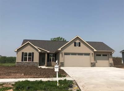 De Pere Single Family Home Active-No Offer: 2163 River Birch