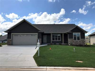 Green Bay Single Family Home Active-No Offer: 3180 Enchanted