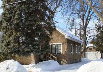 Oshkosh Single Family Home Active-Offer No Bump: 614 E New York