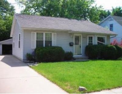 Oshkosh Single Family Home Active-No Offer: 1322 Bowen
