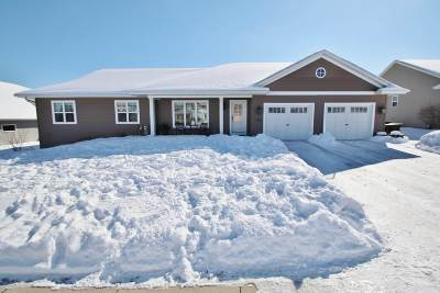 Green Bay Single Family Home Active-Offer No Bump: 3195 Howard View
