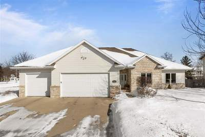 Neenah Single Family Home Active-Offer No Bump: 800 Heather