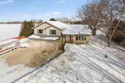 Green Bay Single Family Home Active-Offer No Bump: 364 Triangle