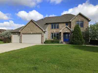 Menasha Single Family Home Active-No Offer: 2391 Trumpeter Swan