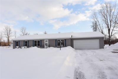 Little Suamico Single Family Home Active-Offer No Bump: 1206 Jameson