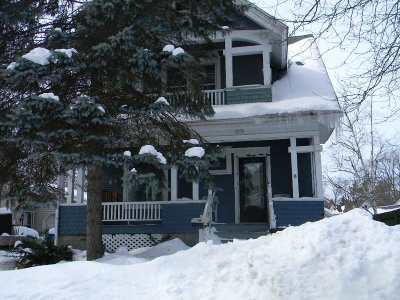 Oshkosh Single Family Home Active-No Offer: 1215 Spruce