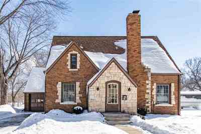 Kaukauna Single Family Home Active-Offer No Bump: 906 Wilson