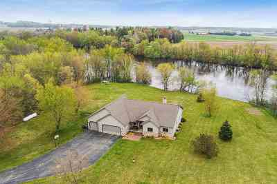 Shawano Single Family Home Active-No Offer: N4218 Hwy Cc